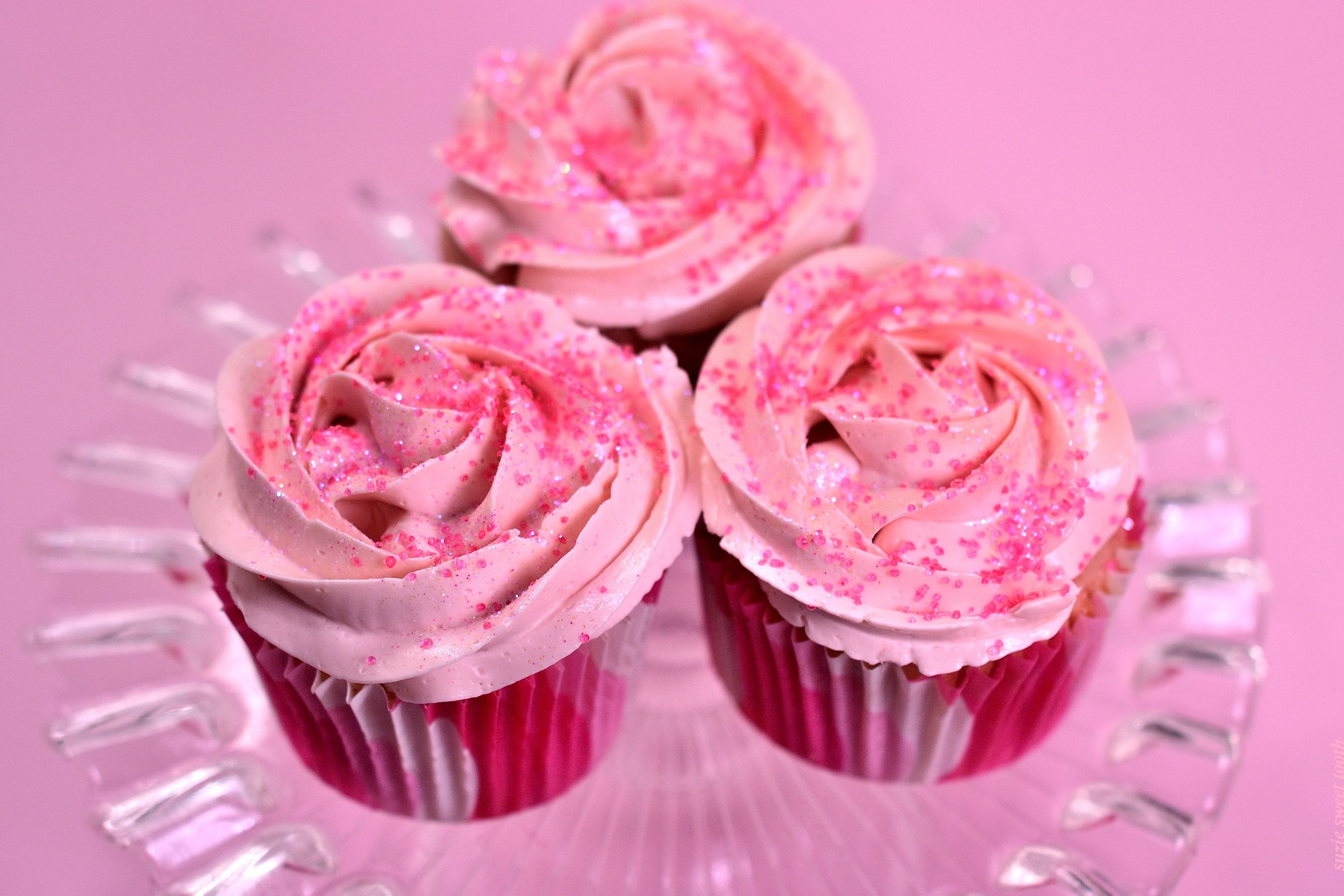 Pretty In Pink Strawberry Guava Cupcakes | suzie sweet tooth