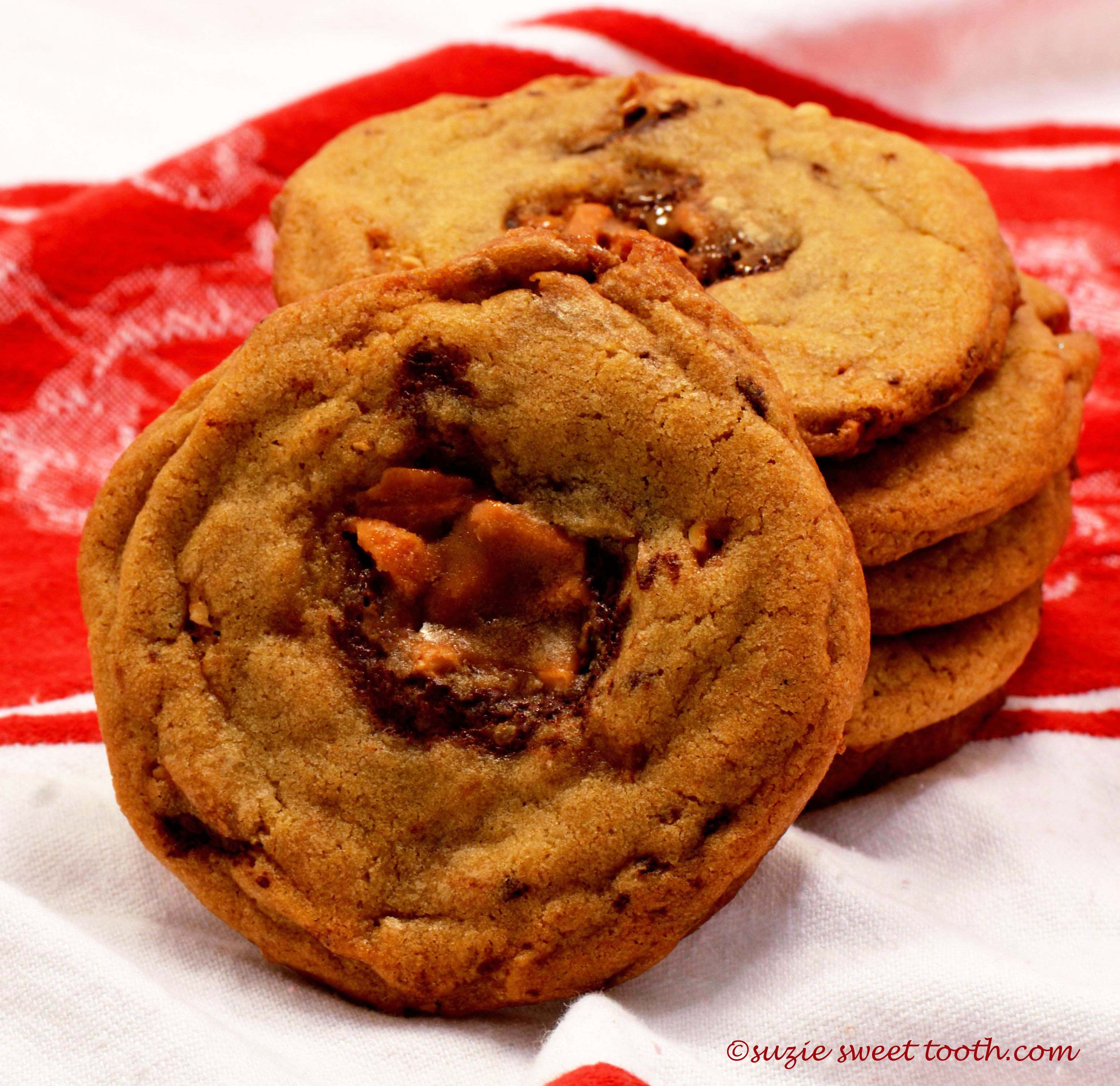 Chewy Toffee Chunk Cookies | suzie sweet tooth