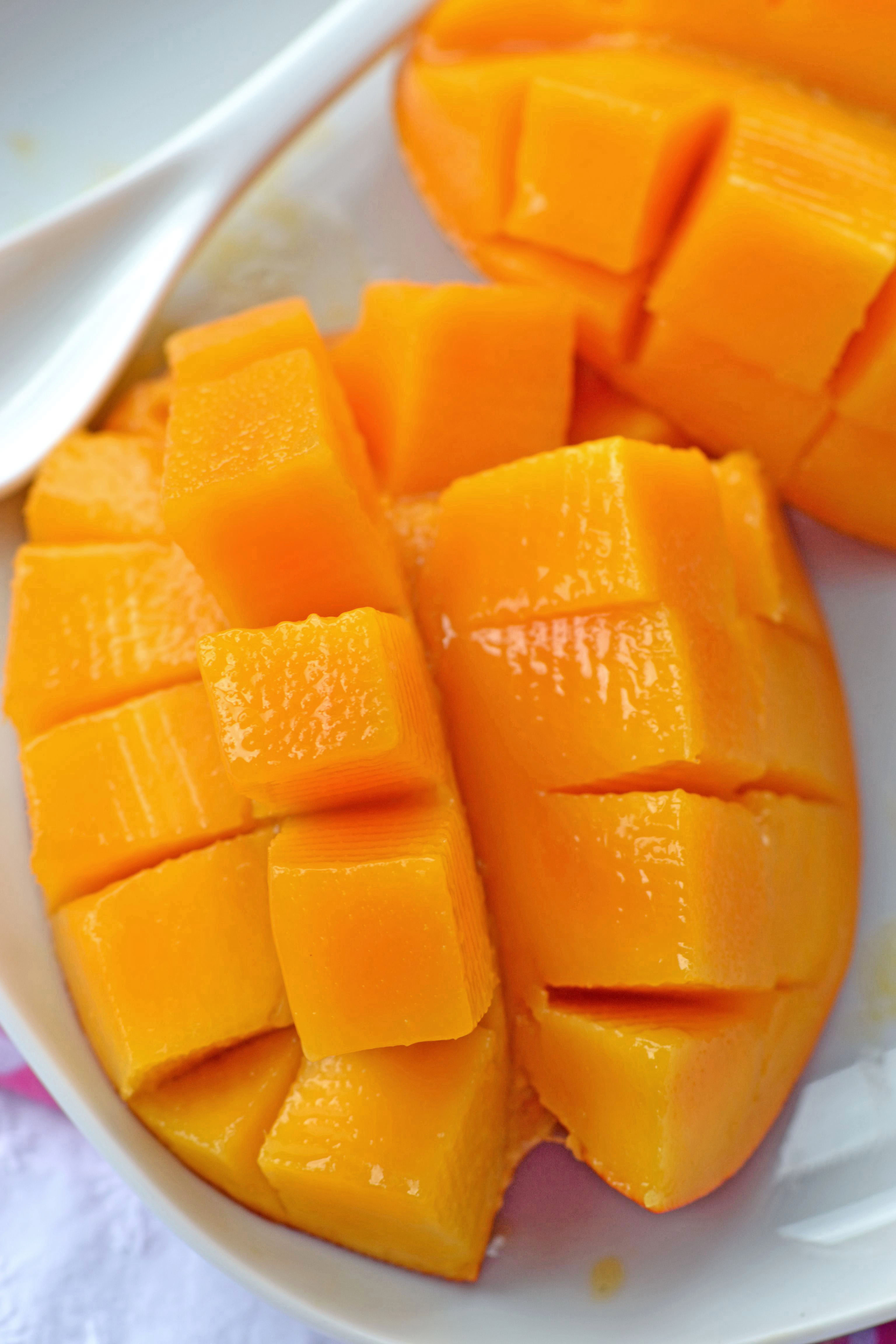 Cut Mango Churnless Bananamango Frozen Yogurt Suzie Sweet Tooth How To Cut  A Mango Like A