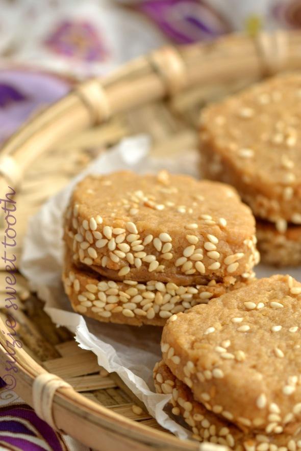 Peanut Butter Sesame Cookies 1