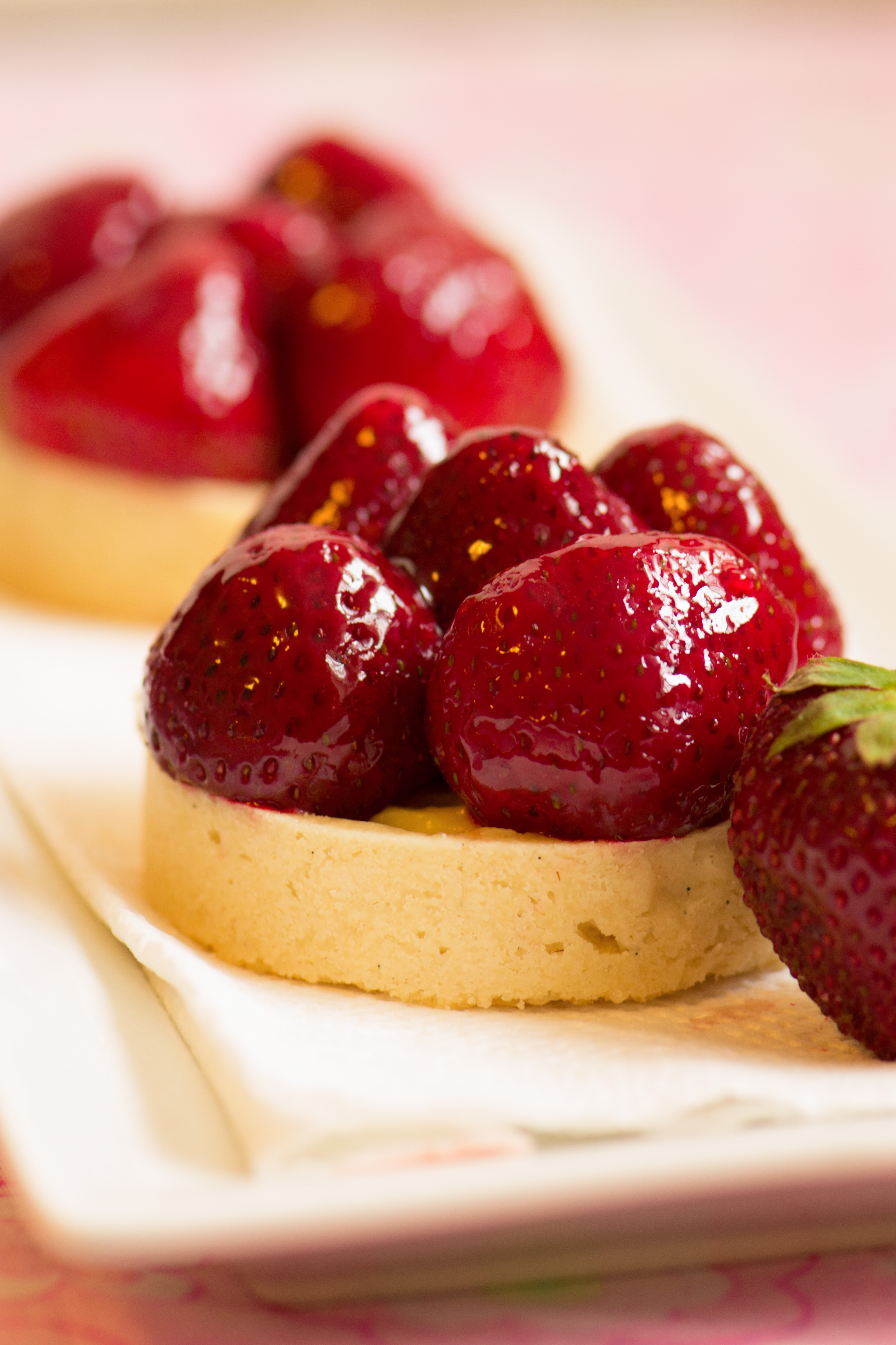 Strawberry Tarts with White Chocolate Creme Patisserie | suzie sweet ...