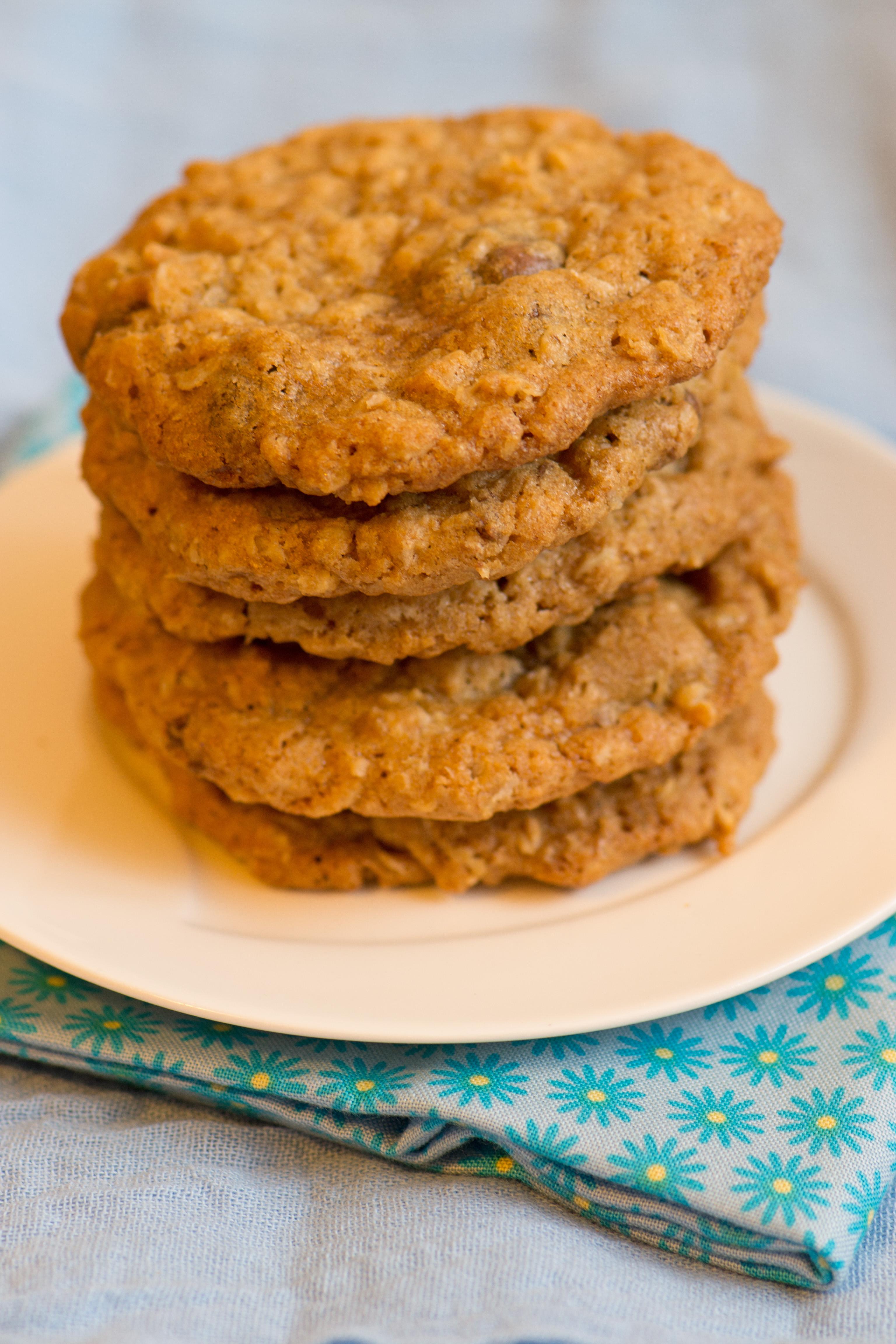 Oatmeal Raisinet Cookies | suzie sweet tooth