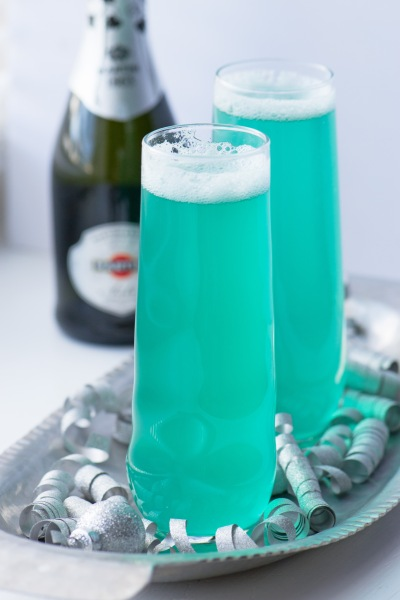 https://suziesweettooth.com/2014/12/28/new-years-eve-champagne-cocktails/