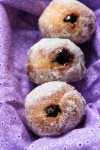 blackberry filled donutholes