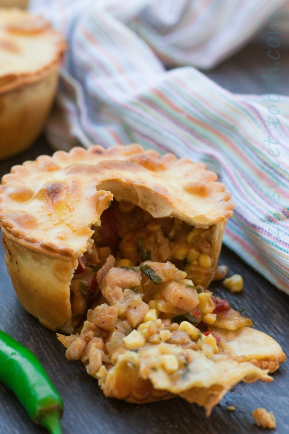 individual cajun chicken pie