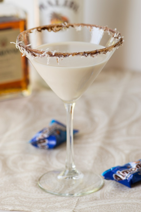 almond-joy-martini